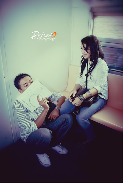 prewedding simple & unik di komuter surabaya sidoarjo by potreto photography