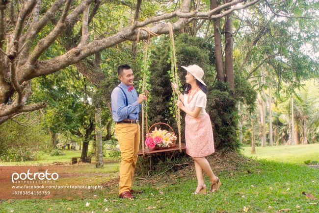 prewedding kebun raya purwodadi, prewed kebun raya purwodadi, pre wedding di kebun raya purwodadi, foto pre wedding di kebun raya purwodadi, foto prewed di kebun raya purwodadi, foto pre wedding kebun raya purwodadi, prewed di kebun raya purwodadi, foto pre wedding casual outdoor, prewedding surabaya, prewedding sidoarjo, potreto photography, potreto, prewedding outdoor, jasa prewedding surabaya, jasa prewedding sidoarjo, jasa prewedding, jasa foto prewedding, jasa foto prewedding di, jasa foto wedding, jasa foto wedding di, tema foto prewedding vintage, prewedding gaya vintage, pose prewedding romantis, pose prewedding, pre wedding casual shoot, konsep foto pre wedding casual, konsep foto prewedding casual , konsep foto prewedding outdoor, konsep pre wedding natural, ide prewedding, konsep prewed, properti foto prewedding, make up foto prewedding, prewedding natural, foto prewedding natural, foto prewedding romantis, jasa foto pre wedding mojokerto, jasa foto pre wedding di mojokerto, jasa foto kreatif
