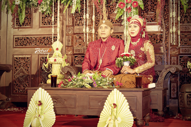jasa foto wedding Surabaya , jasa foto wedding, jasa foto wedding di solo, foto acara pernikahan di solo, wedding photography di surakarta, wedding di solo, pengantin hijab jawa