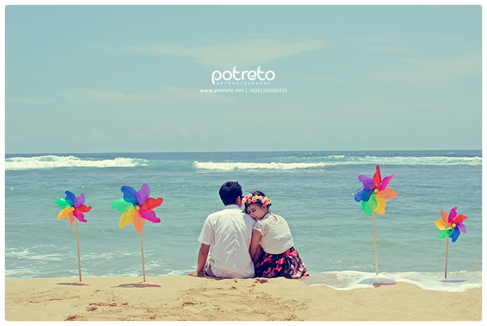 prewedding vintage surabaya, foto prewedding vintage surabaya, prewedding pantai balekambang, pre wedding outdoor pantai, foto prewedding pantai, prewedding simple (3)