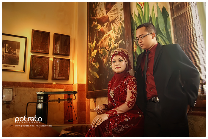 Indonesian pre wedding photography at house of sampoerna surabaya, pre wedding surabaya, pre wedding hijab, pre wedding photography at house of sampoerna surabaya, pre wedding photography at house of sampoerna, Indonesian prewedding photography at house of sampoerna surabaya, prewedding hos sampoerna, prewedding di hos sampoerna, foto prewedding di house of sampoerna, foto pre wedding sampoerna, jasa foto prewedding di house of sampoerna, foto prewedding indoor di house of sampoerna, foto prewed di house of sampoerna, prewedding hos surabaya, foto pre wedding indoor, foto prewedding surabaya, prewed sby, tempat foto pre wedding indoor di surabaya, lokasi foto pre wedding indoor di surabaya, lokasi foto prewed di surabaya, tempat foto pre wed di surabaya, lokasi untuk foto prewed di surabaya, foto pre wedding indoor di surabaya, foto prewedding bagus di surabaya, jasa foto prewedding di surabaya, jasa foto prewedding sidoarjo, konsep prewedding hijab, kebaya prewedding, kostum prewedding, kostum untuk prewedding, kostum foto prewedding, kostum buat prewedding, jilbab prewed, prewedding jilbab, potreto photography, potreto, potreto surabaya, jasa foto prewedding karyawan sampoerna, jasa foto prewedding untuk karyawan sampoerna, jasa foto prewedding buat pegawai sampoerna, prewedding buat pegawai sampoerna, foto prewedding buat pegawai sampoerna