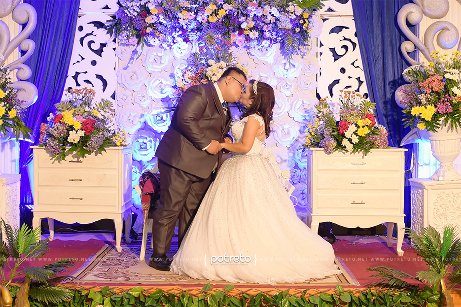 wedding kiss, gambar wedding, photo wedding surabaya, foto wedding surabaya, photo wedding sidoarjo, foto wedding sidoarjo, photo wedding di surabaya, foto wedding di surabaya, photo wedding di sidoarjo, foto wedding di sidoarjo, rekomendasi foto wedding, rekomendasi photography wedding, jasa foto wedding surabaya, jasa foto wedding sidoarjo, tukang foto surabaya, tukang foto wedding, tukang foto wedding surabaya, tukang foto wedding sidoarjo, wedding surabaya, wedding sidoarjo, wedding di surabaya, wedding di sidoarjo, wedding photography surabaya, wedding photography sidoarjo, dokumentasi acara pernikahan surabaya, dokumentasi acara pernikahan sidoarjo, dokumentasi acara pernikahan di surabaya, dokumentasi acara pernikahan di sidoarjo, dokumentasi wedding surabaya, dokumentasi wedding sidoarjo, dokumentasi wedding di surabaya, dokumentasi wedding di sidoarjo, dokumentasi pernikahan surabaya, dokumentasi pernikahan sidoarjo, resepsi pernikahan surabaya, resepsi pernikahan sidoarjo, resepsi wedding surabaya, resepsi wedding sidoarjo